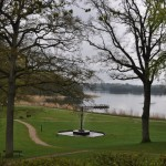 Et billede ud over søen ved skanderborghus
